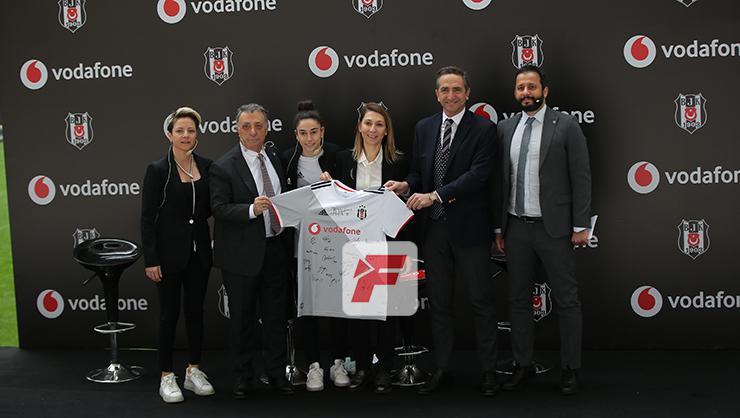 Beşiktaş Başkanı Ahmet Nur Çebi: Futbolumuz da kadınlarımıza