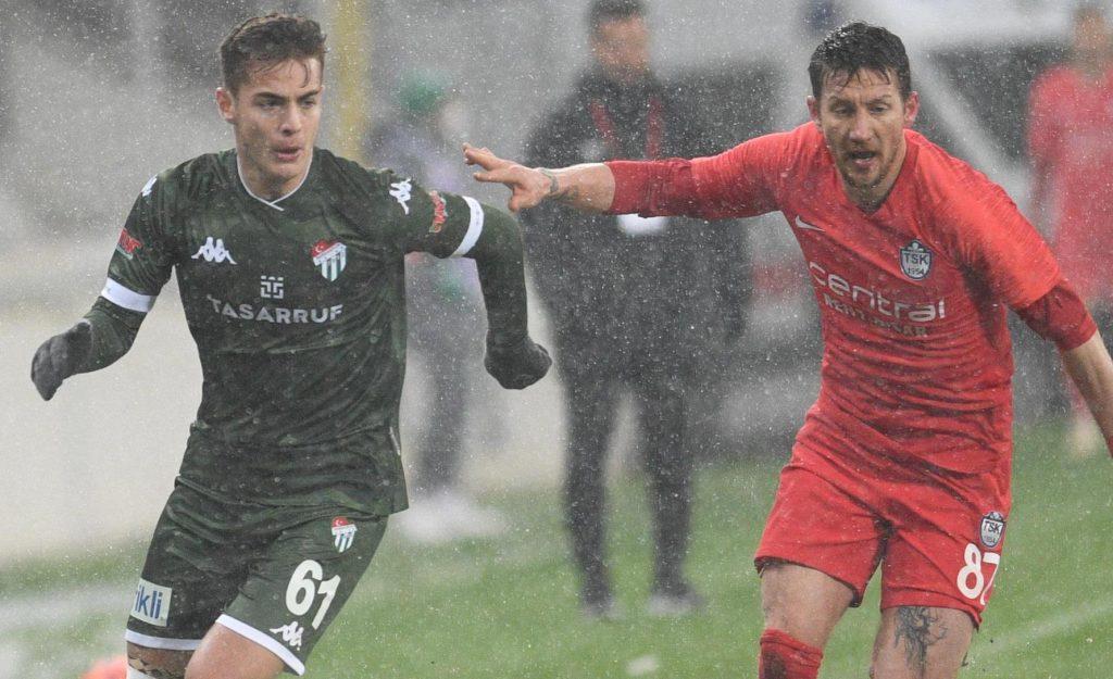 Bursaspor'da genç oyuncular Batuhan ve Ataberke destek