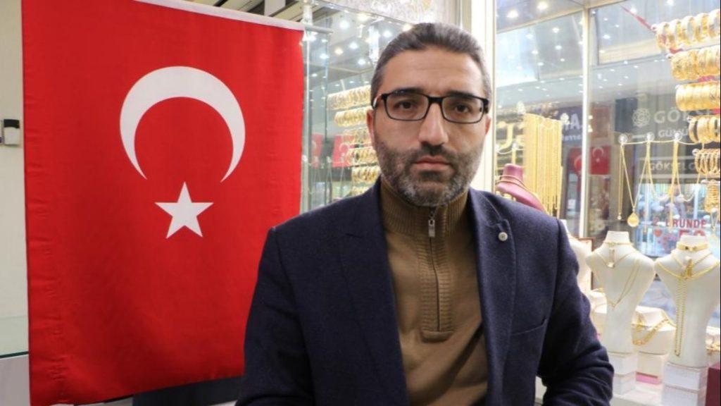 Kayseri'deki sarraf, altın yatırımı tavsiyesi verdi