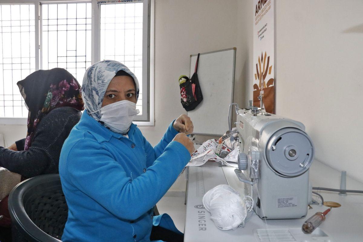 Mardin de açılan kurslarda 1100 kadın meslek sahibi oldu #6