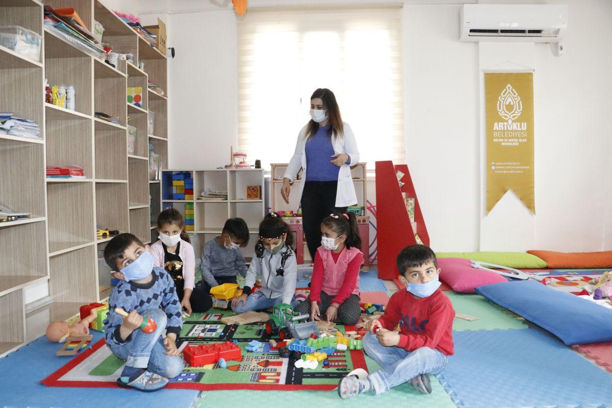 Mardin de açılan kurslarda 1100 kadın meslek sahibi oldu #8