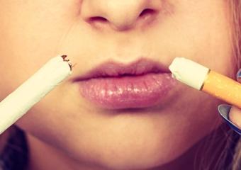 Sigara, ciltte kırışıklıklara neden oluyor